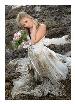 6a4cfb81c4 Trash the Dress (TTD) Esküvői fotók- Szemétbe a ruhával- Tedd tönkre ...